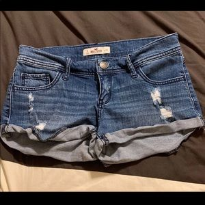 Hollister Low Rise Shorts - Size 3 (W26)